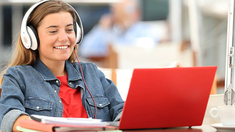 5 Precautions To Be Taken While Chatting Online